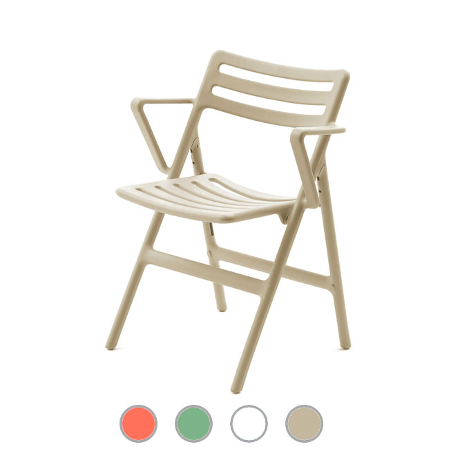 Magis Sedia pieghevole con braccioli Folding Air-Chair H 88 cm outdoor